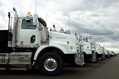 Camiones occidentales de la estrella en el distribuidor autorizado imágenes de archivo libres de regalías