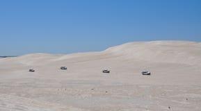 Camiones que compiten con en Lancelin Dunes: Australia occidental Fotos de archivo