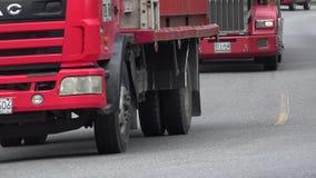 Camiones, tractor remolque, cargo, entrega almacen de metraje de vídeo