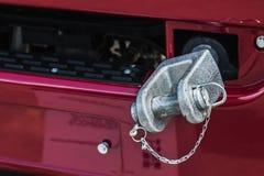 Camiones y gancho de parachoques de la remolque para remolcar Imágenes de archivo libres de regalías