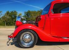 Camioneta pickup de Ford del rojo 1935 Imagen de archivo