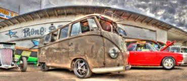 Camionete clássica de Kombi dos anos 60 Fotografia de Stock Royalty Free