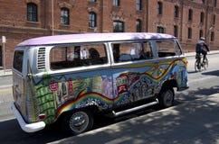 Camionete colorida da excursão em San Francisco Imagens de Stock Royalty Free