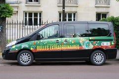 Camionete de Peugeot com logotipo de Perrier em Le Stade Roland Garros em Paris Foto de Stock Royalty Free