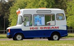 Camionete do gelado Fotografia de Stock