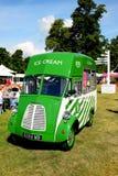 Camionete do gelado de Morris do vintage Fotografia de Stock Royalty Free