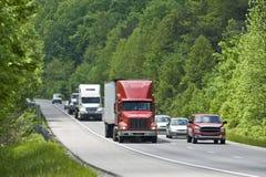 Camionnage sur la route Images stock