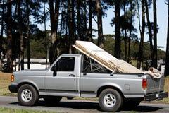 Camionnette de livraison chargée Image stock