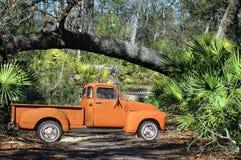 Camionnette de livraison de 54 Chevy outre de route Images libres de droits