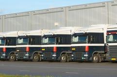 Camions à l'embarcadère Images stock