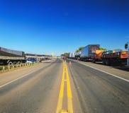 Camions arrêtés sur les routes pour la protestation l'augmentation diesel des prix Photos libres de droits