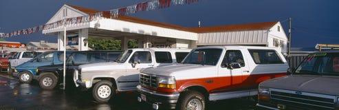 Camions dans le sort de voiture d'occasion, rue George, Utah images libres de droits