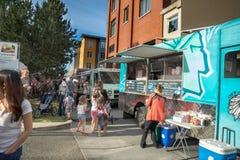 Camions de nourriture de la Reine Anne Farmers Market Images libres de droits