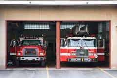 Camions de pompiers à la gare Photos libres de droits