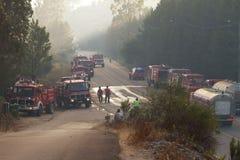 Camions de pompiers sur une route Photographie stock libre de droits
