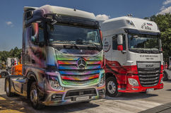 Camions Mercedes et DAF Image libre de droits