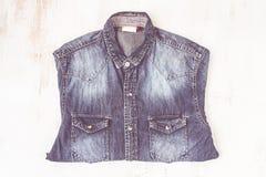 Camisa azul de la mezclilla imagen de archivo libre de regalías