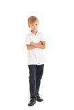 Camisa blanca que desgasta del muchacho y vaqueros negros Fotos de archivo libres de regalías