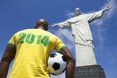 Camisa 2014 brasileira do jogador de futebol do futebol Corcovado Rio de janeiro imagens de stock royalty free