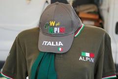 Camisa com a forma de Italia da inscrição/vestidos Itália imagem de stock royalty free