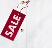 Camisa com Tag da venda fotos de stock