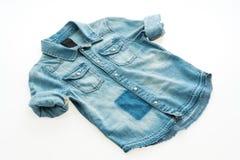 Camisa de la mezclilla de la moda imagenes de archivo