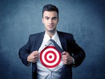 Camisa de rasgo do homem de negócios com sinal do alvo em sua caixa Imagem de Stock Royalty Free
