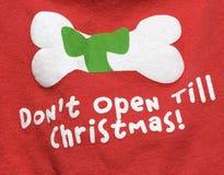 Camisa del perro de la Navidad Foto de archivo libre de regalías
