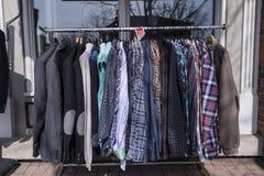 Camisa del traje en venta Fotos de archivo libres de regalías