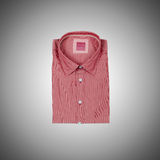 Camisa masculina agradável contra o inclinação Foto de Stock Royalty Free