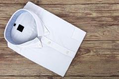 Camisa para hombre blanca imagen de archivo