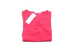 Camisa roja aislada en el fondo blanco foto de archivo libre de regalías