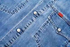Camisa Stonewashed azul del dril de algodón imagenes de archivo