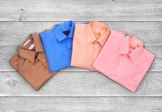 Camisas coloridas Fotos de Stock Royalty Free