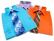 Camisas coloridas del mens Imagen de archivo