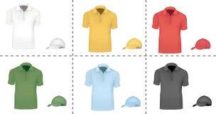 Camisas de polo coloreadas con los casquillos. Foto de archivo libre de regalías