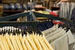 Camisas para la venta Imagen de archivo libre de regalías