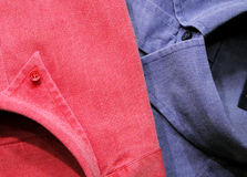 Camisas rosadas y azules Imágenes de archivo libres de regalías