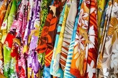 Camisas tropicales de los hombres Foto de archivo
