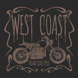 Camiseta dibujada mano del vector de la motocicleta del vintage Imagen de archivo libre de regalías