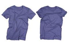 Camiseta gris azul marino arrugada aislada Imágenes de archivo libres de regalías