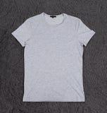 Camiseta gris en blanco Fotografía de archivo