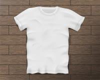 Camiseta masculina realista blanca con las mangas cortas Plantilla en blanco de la camiseta en el piso de madera del vintage aisl libre illustration