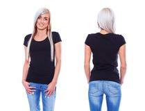 Camiseta negra en una plantilla de la mujer joven imagenes de archivo