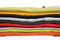 Camisetas coloridas Imágenes de archivo libres de regalías