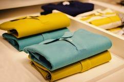 Camisetas del color imágenes de archivo libres de regalías