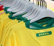 Camisetas del fútbol con el texto el BRASIL Imagen de archivo libre de regalías