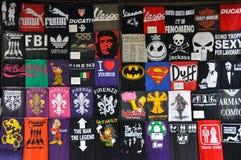 Camisetas divertidas ilustración del vector