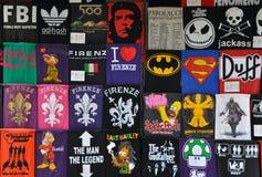 Camisetas divertidas en Florencia, Italia Fotos de archivo