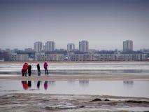 Camminando alla spiaggia Fotografia Stock Libera da Diritti
